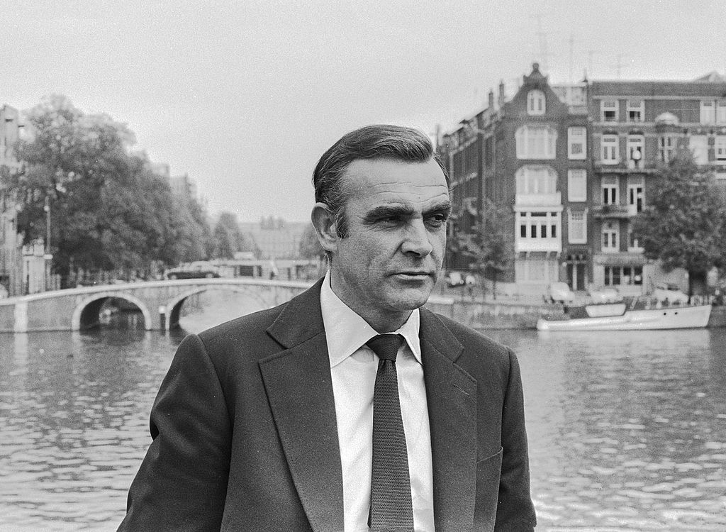 """""""Sean Connery 1971"""" by Mieremet, Rob / Anefo - Nationaal Archief, Nummer toegang 2.24.01.05 Bestanddeelnummer 927-7001. Licensed under CC BY-SA 3.0 via Wikimedia Commons."""