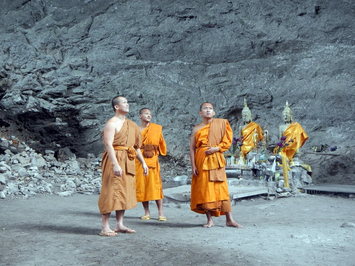 monks_in_the_cave